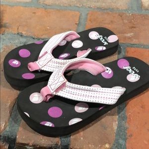 Reef Girls Flip Flops size 11/12 pink and white